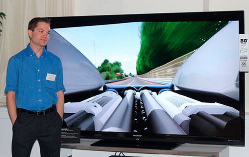 传说中鲍尔默使用的80英寸的Windows 8平板电视