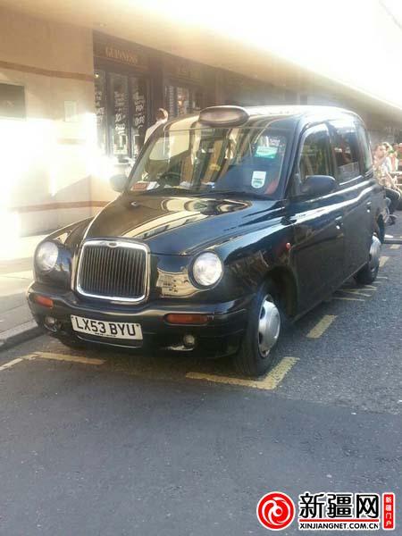这种出租车拥有很高的车厢,能够让乘客可以不用摘掉英式高礼帽而坐图片