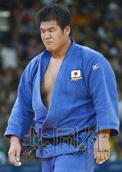 图为上川大树当天在男子100公斤以上级比赛中落败。共同社