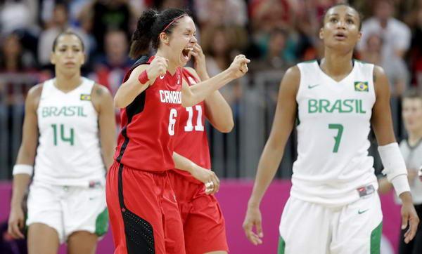 奥运图:加拿大女篮险胜巴西 悲喜两重天