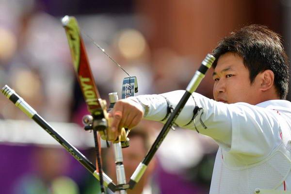 奥运图:男子射箭戴小祥摘铜 韩国选手吴真赫