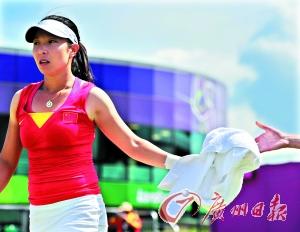 """中国女子网球的""""金花""""李娜(左)彭帅(右上)和郑洁(右下)兵败伦敦奥运会引来一片质疑声。"""