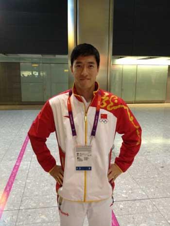 刘翔微博表态要享受奥林匹克 转发史冬鹏合影照(图)