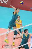 奥运图:意大利男排胜澳大利亚 全力扣杀