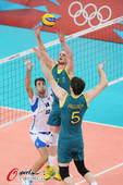 奥运图:意大利男排胜澳大利亚 准备扣杀