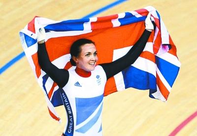 英国只有一位女王吗?如果昨晚在伦敦奥运会的场地自行车馆,疯狂的英国人肯定会告诉你:这里还有一位当之无愧的自行车女王,她就是维多利亚・彭德尔顿。