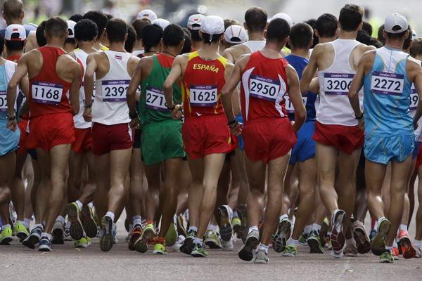 奥运图:陈定20公里竞走夺冠 起跑