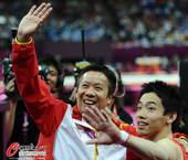 奥运图:邹凯成功卫冕  两人挥手
