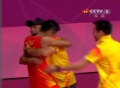奥运视频-制胜一球林丹狂跑庆祝 与李永波拥抱