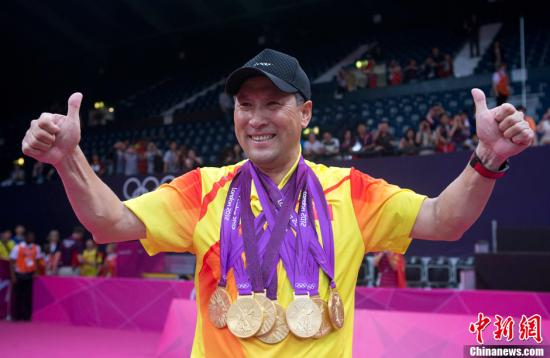 当地时间8月5日,随着2012年伦敦奥运羽毛球男子双打决赛结束,中国羽毛球队在此届奥运会上包揽了5块金牌。记者 盛佳鹏 摄