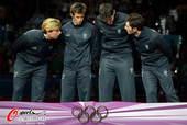 奥运图:男子花剑团体意大利摘金 在说什么?