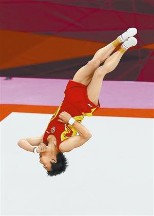 在伦敦奥运会男子自由体操决赛中,中国选手邹凯以15.933分夺冠。