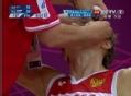 奥运视频-基里连科飞身抢球 眼角出血似遭肘击