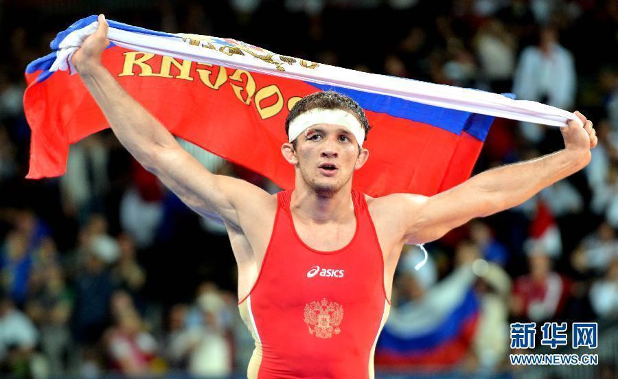 俄罗斯选手科户贾夫获得男子古典式摔跤84公斤级金牌