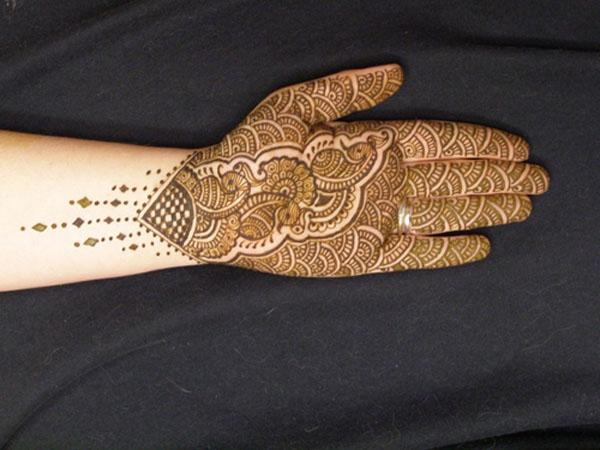 印度 都会 姑娘 出嫁/揭秘印度姑娘出嫁前都会做的事(组图)