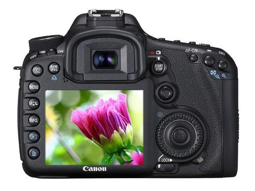 搭配大变焦防抖镜头 佳能中端旗舰7D降价