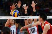 奥运图:日本女排险胜中国 张磊扣球被拦