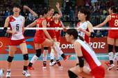 奥运图:日本女排险胜中国 中国队员兴奋