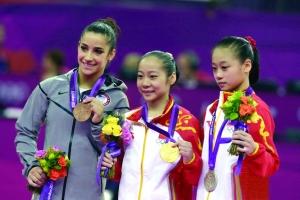 邓琳琳(左)和眭禄包揽金银牌