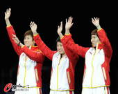 奥运图:中国女乒团体成功卫冕 中国女团金牌
