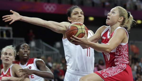 奥运图:俄罗斯女篮险胜土耳其 突破上篮