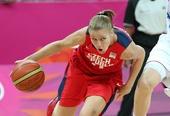 奥运图:女篮捷克迎战法国 捷克队球员进攻
