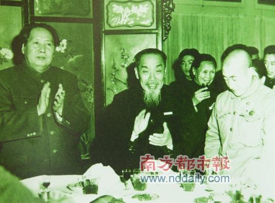 1951年11月,毛泽东与陈垣在怀仁堂国宴上.   陈垣三代学...