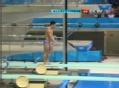 奥运视频-何冲向前翻腾水花优美 跳水男个3米板