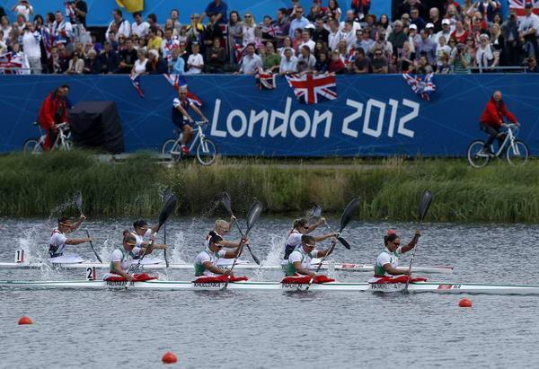 奥运图:女子四人皮艇匈牙利夺冠 白俄罗斯选手