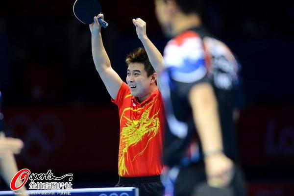 奥运图:中国王者之师横扫卫冕 笑逐颜开