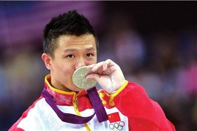 队长陈一冰遗憾获得吊环银牌。
