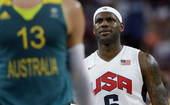 奥运图:美国男篮大胜澳大利亚 小皇帝略显无奈