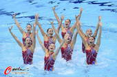 奥运图:花游集体中国列第二 中国花游姑娘