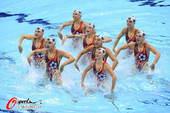奥运图:花游集体中国列第二 足球主题