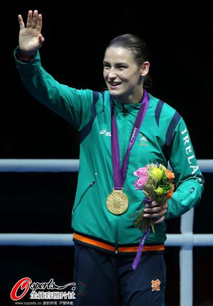 奥运 致意/奥运图:爱尔兰女拳击手夺冠挥手致意