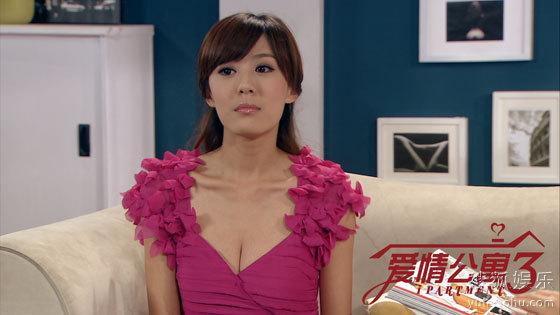 美嘉李金铭虽然第二季没有出现,但回归时我们惊喜的发现:咦!菠萝!