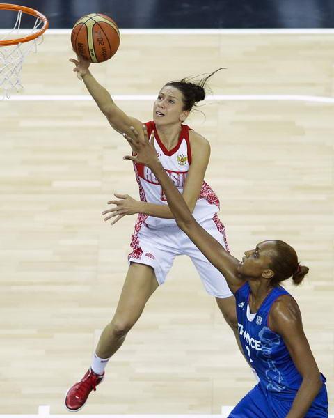 奥运图:法国女篮晋级决赛 俄罗斯队员突破上篮