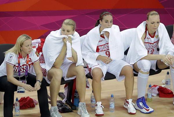 奥运图:法国女篮晋级决赛 俄罗斯替补席