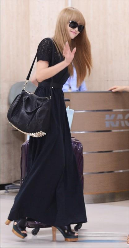宋茜/宋茜性感黑裙亮相机场似女神身姿曼妙高清组图