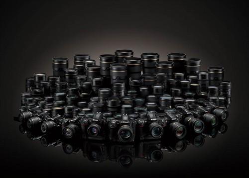 尼克尔镜头:截至2012年5月底总产量已经突破了7000万支(包括70多种镜头系列:鱼眼镜头、超广角镜头、超远摄镜头、变焦镜头、微距镜头和移轴镜头等)