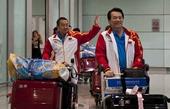 奥运图:中国乒乓球队载誉回国 刘国梁致敬球迷