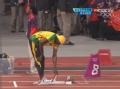 奥运视频-博尔特测量踏板距 场下顽皮场上严谨