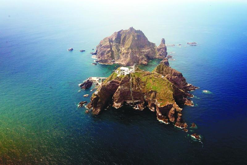 韩国总统登上独岛宣示主权(组图)