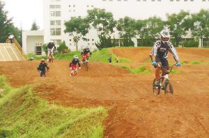 云南红塔山自行车队训练基地 都市时报记者 贺靖