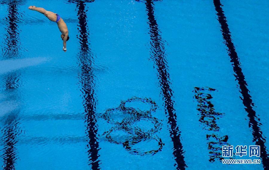 8月11日,中国选手林跃在比赛中。