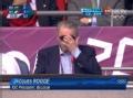 奥运视频-罗格现身男足决赛看台 戴墨镜显帅气