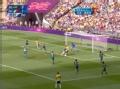 奥运视频-达米昂小禁区转身扫射 抡空踢中对方