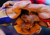 奥运图:摔跤男子60公斤级 两人对抗