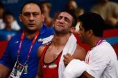 奥运图:摔跤男子60公斤级 男儿有泪也轻弹
