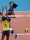 奥运图:女排决赛巴西夺冠 大力扣杀